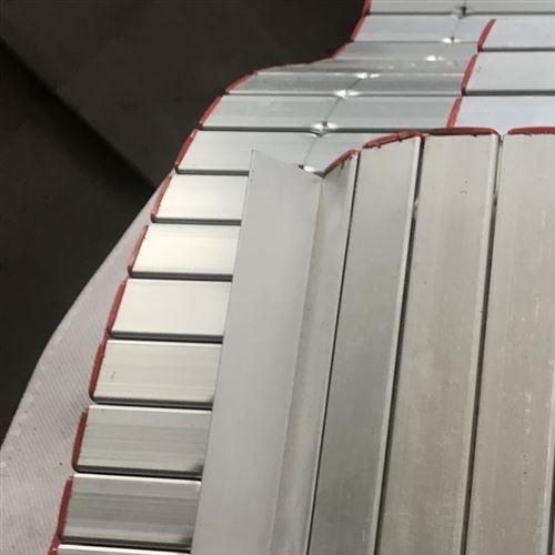 青岛恒益盛泰数控机械防护卷帘防护罩