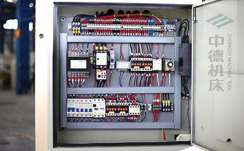 ZDS-832采用正品电气元件,稳定耐用寿命长.jpg