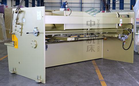 ZDS-832剪板机背面展示.jpg